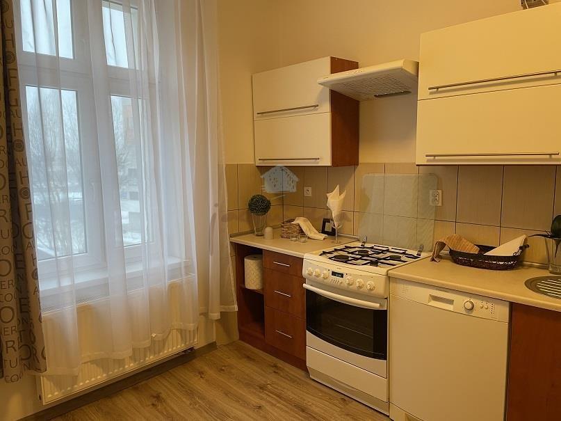 Mieszkanie dwupokojowe na wynajem Gniezno, Centrum, Żuławy  56m2 Foto 2