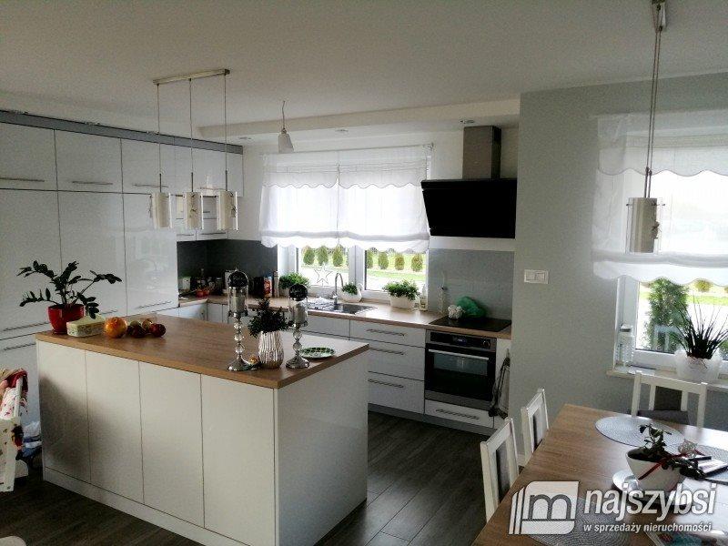 Dom na sprzedaż Nowogard, obrzeża  171m2 Foto 1