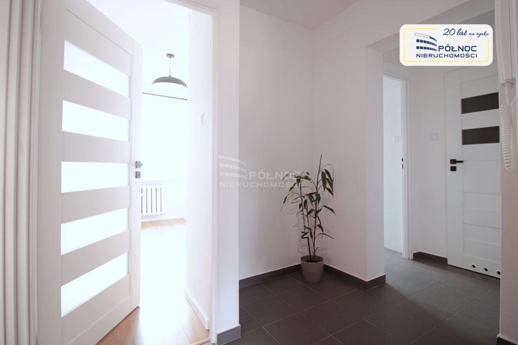 Mieszkanie trzypokojowe na sprzedaż Mikołów, os. Jana Kochanowskiego  63m2 Foto 9