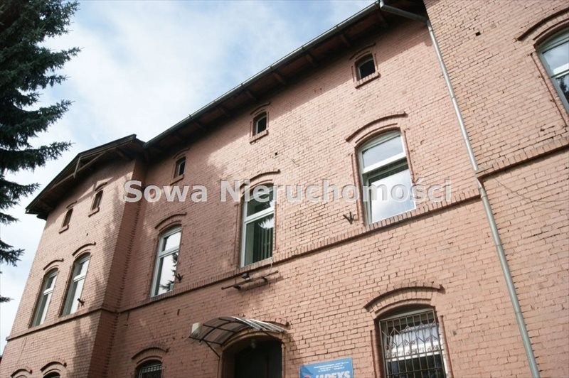 Lokal użytkowy na sprzedaż Wałbrzych, Śródmieście  740m2 Foto 1