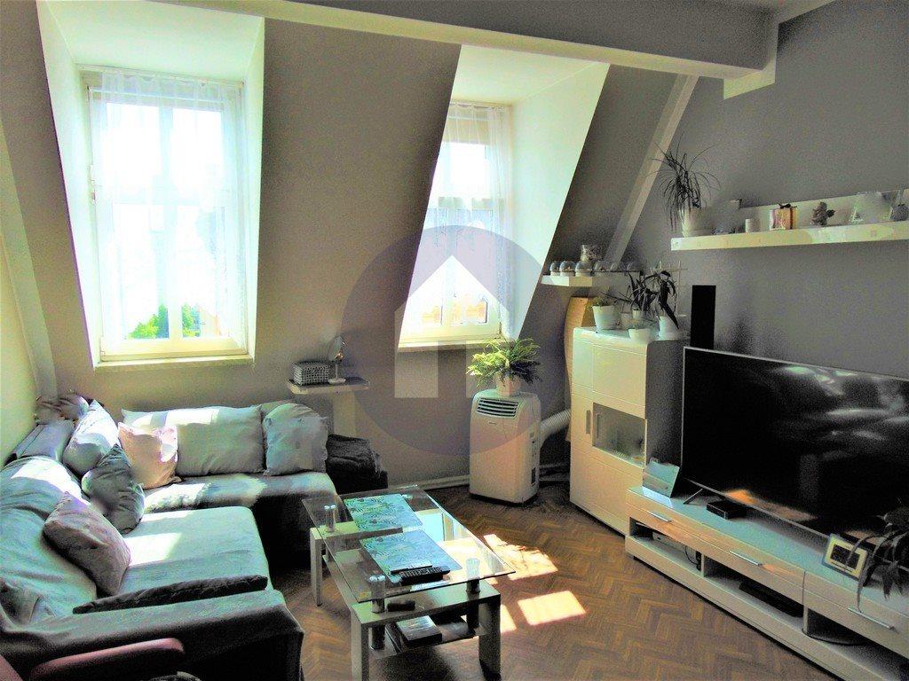 Mieszkanie trzypokojowe na sprzedaż Świdnica  73m2 Foto 2