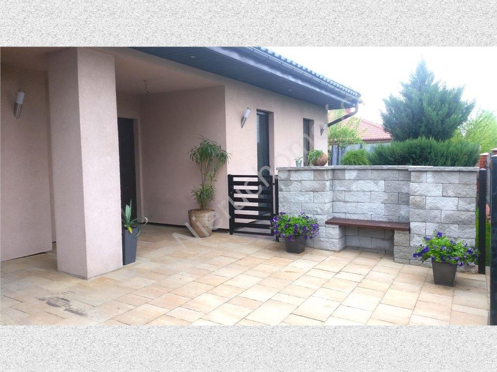 Dom na sprzedaż Zakręt  250m2 Foto 1