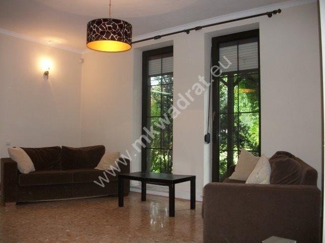 Dom na sprzedaż Komorów  350m2 Foto 1