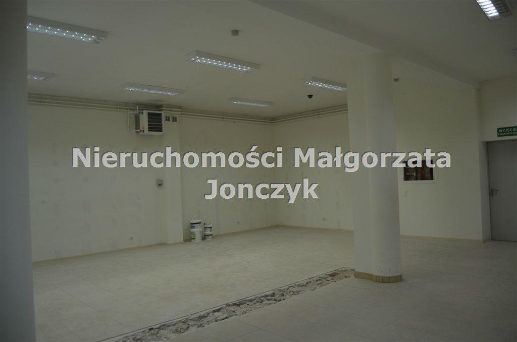 Lokal użytkowy na wynajem Zduńska Wola  120m2 Foto 1