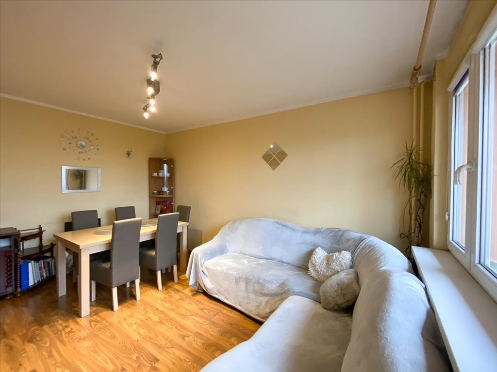 Mieszkanie czteropokojowe  na sprzedaż Bielsko-Biała, Bielsko-Biała  69m2 Foto 2