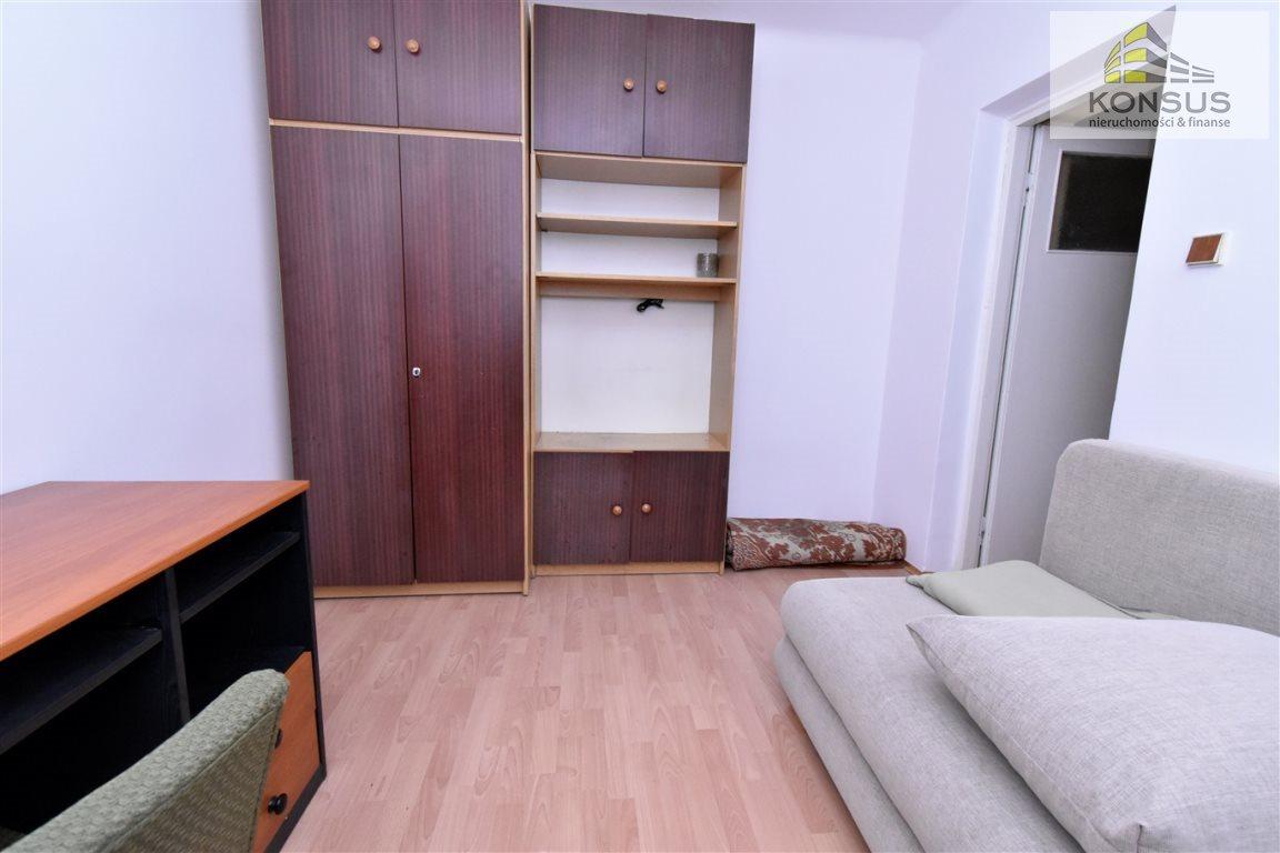 Mieszkanie dwupokojowe na wynajem Kielce, Sady  47m2 Foto 1