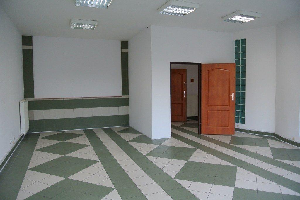 Lokal użytkowy na wynajem Kielce, Centrum  87m2 Foto 1