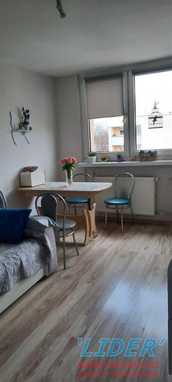Mieszkanie trzypokojowe na sprzedaż Tychy, D  46m2 Foto 2