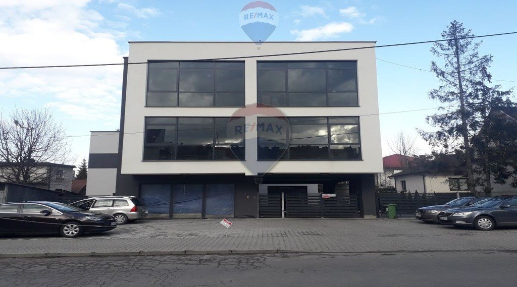 Lokal użytkowy na sprzedaż Nowy Sącz, Henryka Siemiradzkiego  1000m2 Foto 1