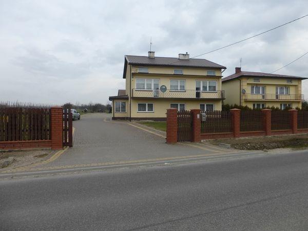 Dom na sprzedaż Broniszew, Broniszew  220m2 Foto 1