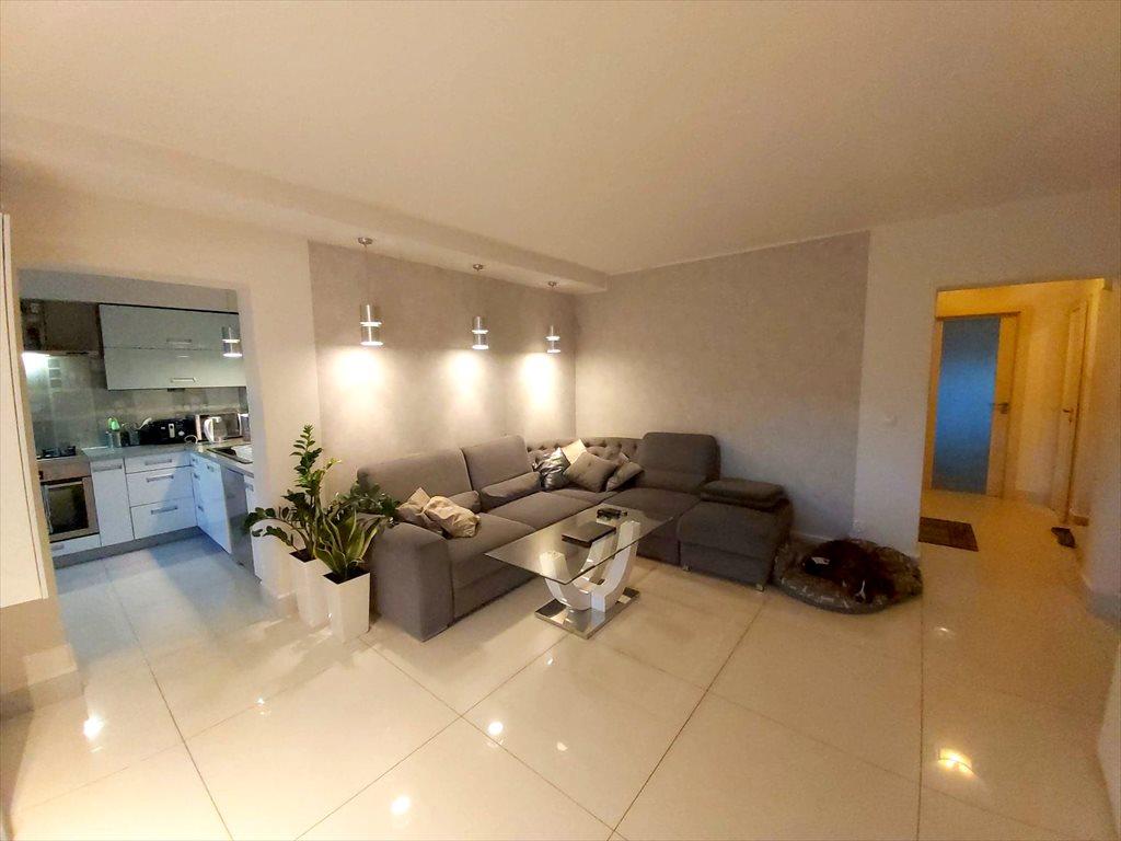 Mieszkanie czteropokojowe  na sprzedaż Leszno, Centrum  89m2 Foto 2