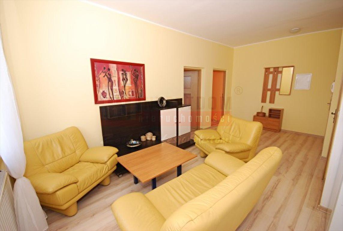 Mieszkanie trzypokojowe na wynajem Opole, Śródmieście  69m2 Foto 1