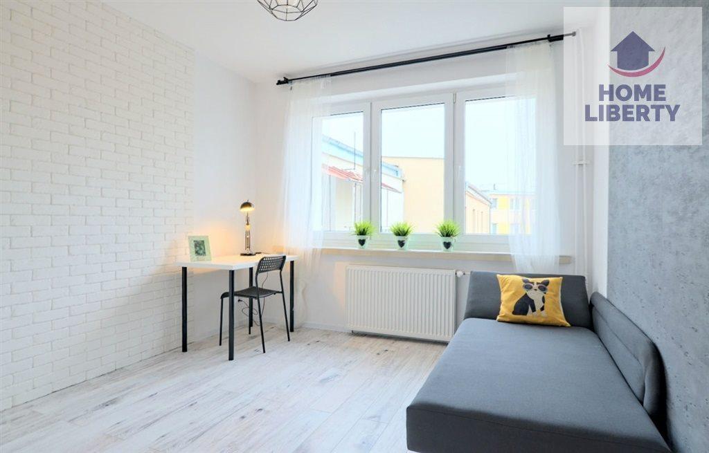 Mieszkanie trzypokojowe na sprzedaż Olsztyn, Centrum, Mrongowiusza  69m2 Foto 1