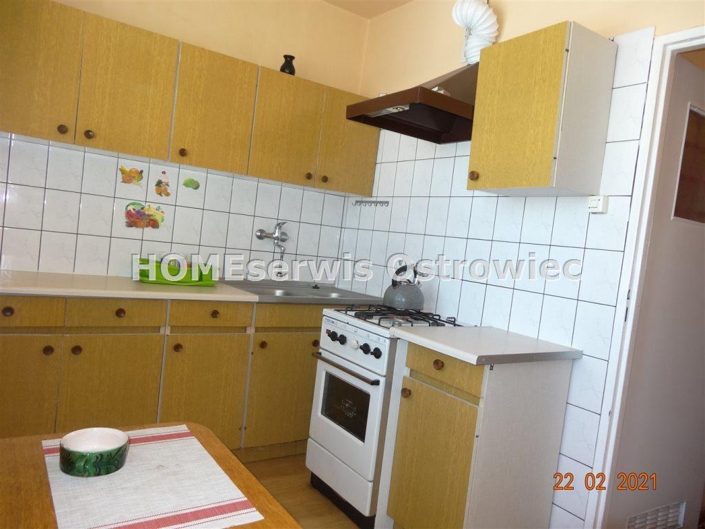 Mieszkanie trzypokojowe na sprzedaż Ostrowiec Świętokrzyski  58m2 Foto 2