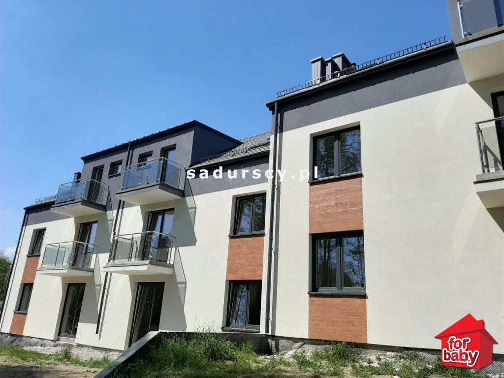 Mieszkanie trzypokojowe na sprzedaż Wieliczka, Starowiejska  59m2 Foto 1