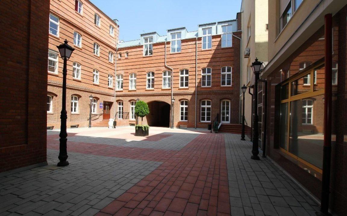 Lokal użytkowy na wynajem Poznań, Stare Miasto, 27 Grudnia  88m2 Foto 1