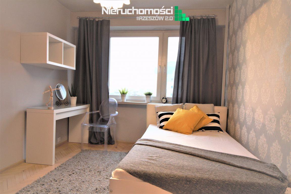 Mieszkanie trzypokojowe na sprzedaż Rzeszów  68m2 Foto 2