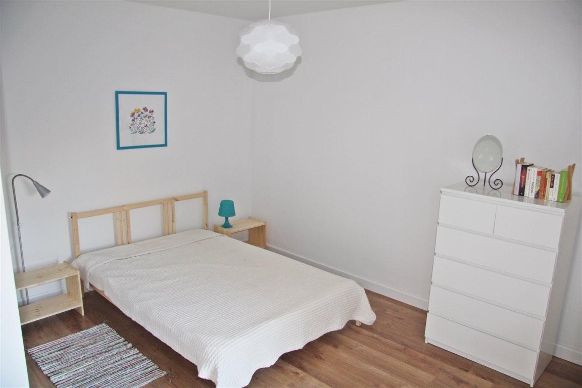 Mieszkanie dwupokojowe na wynajem Kielce, Centrum  52m2 Foto 3