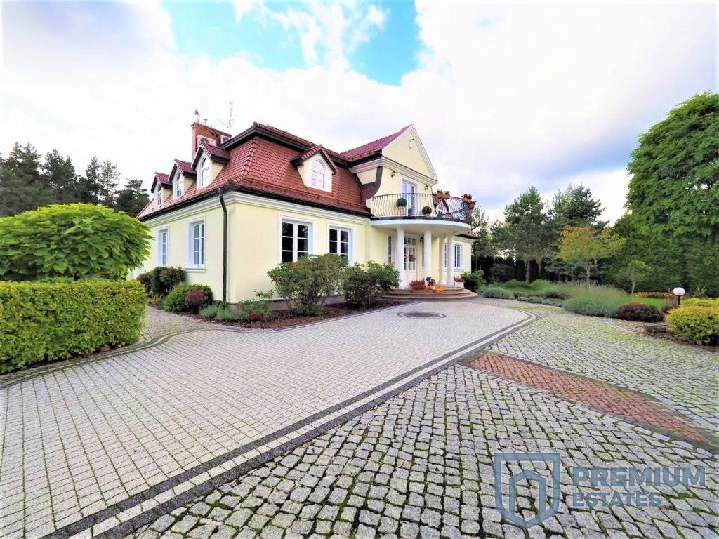 Dom na sprzedaż Kielce, Dąbrowa  440m2 Foto 1