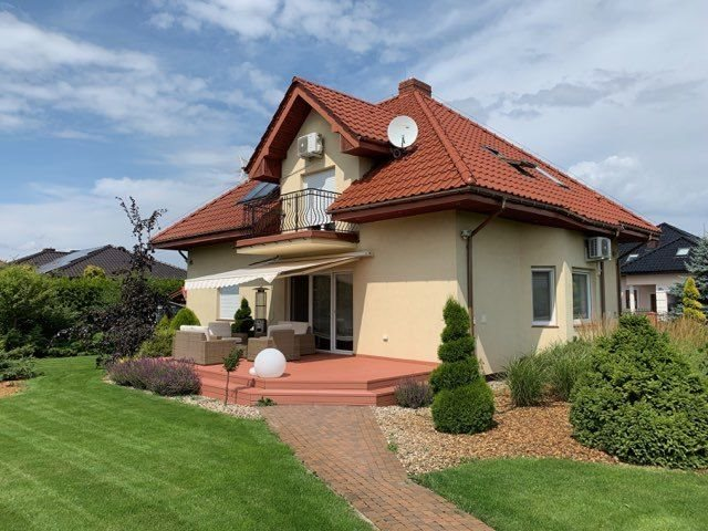 Dom na sprzedaż Gać  181m2 Foto 1