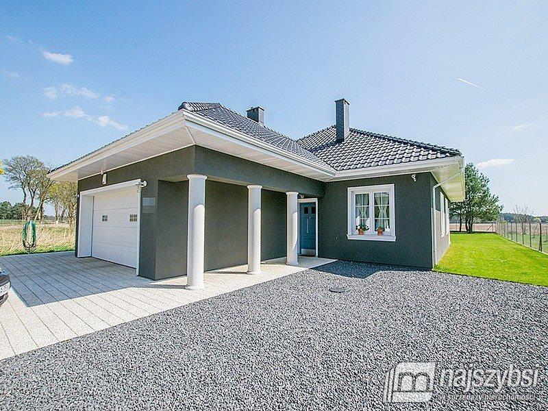 Dom na sprzedaż Wałcz, obrzeża  204m2 Foto 1