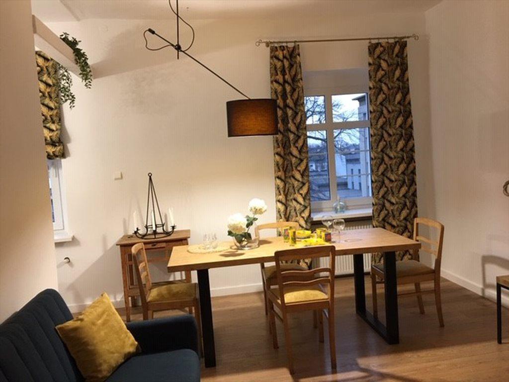 Mieszkanie dwupokojowe na wynajem Gliwice, Centrum, Korfantego  60m2 Foto 1