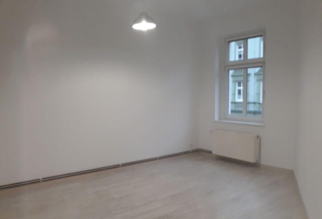 Mieszkanie dwupokojowe na sprzedaż Szczecin, Śródmieście, Emilii Plater  50m2 Foto 1