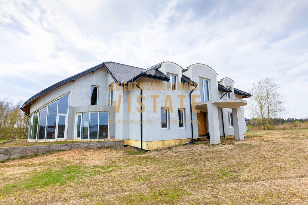 Dom na sprzedaż Błędów  540m2 Foto 1