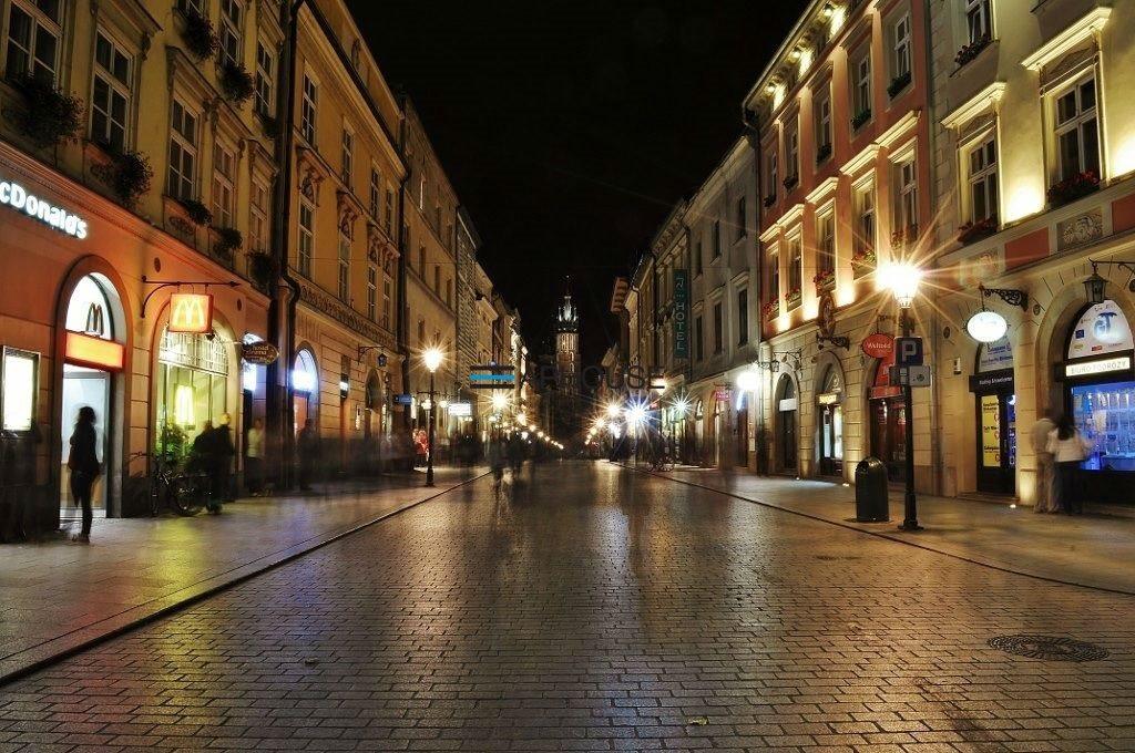 Lokal użytkowy na wynajem Kraków, Stare Miasto, Rynek, Floriańska  64m2 Foto 1