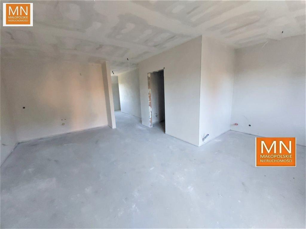 Mieszkanie trzypokojowe na sprzedaż Niepołomice  52m2 Foto 2