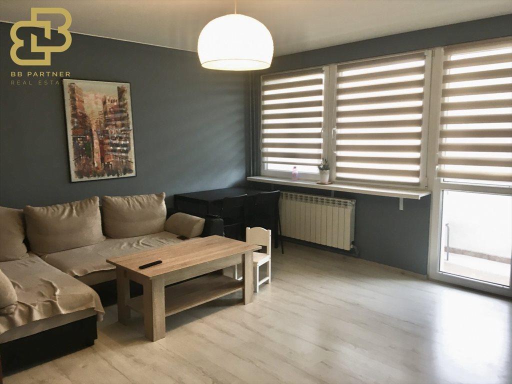 Mieszkanie czteropokojowe  na sprzedaż Kraków, Bieżanów  73m2 Foto 1
