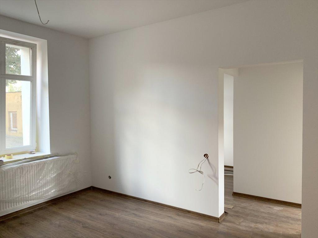 Mieszkanie trzypokojowe na sprzedaż Trzebnica, Bartosza Głowackiego  51m2 Foto 1