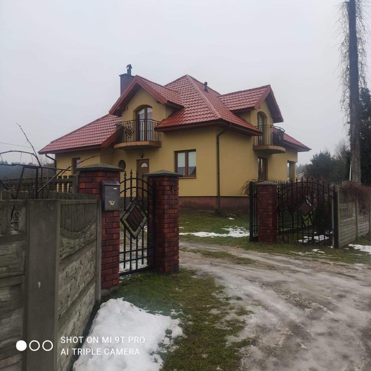 """Dom na sprzedaż Kielce, Niewachlów Pierwszy, Podporucznika Zbigniewa Kruszelnickiego """"Wilka""""  140m2 Foto 1"""