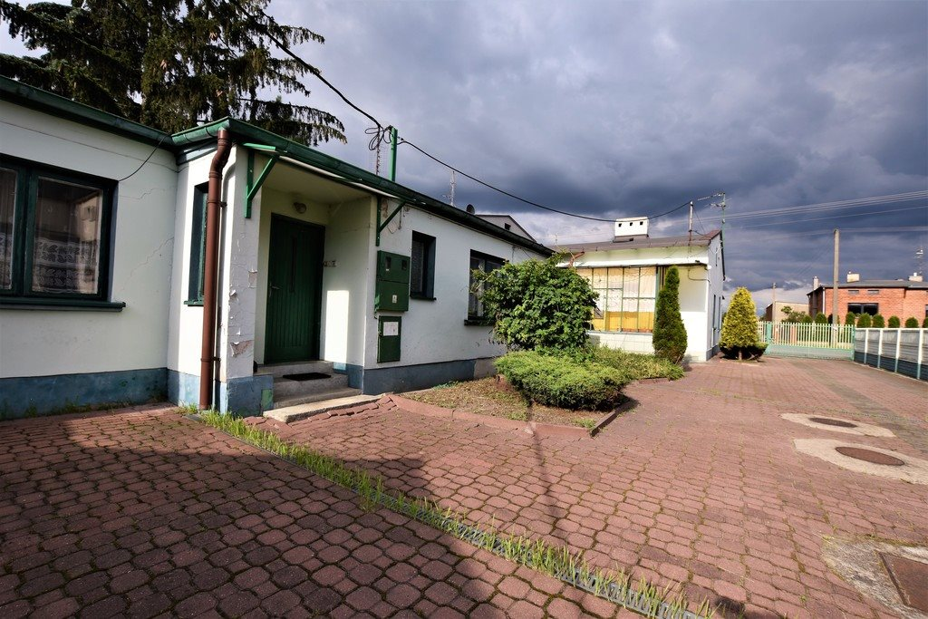 Lokal użytkowy na sprzedaż Bychlew  875m2 Foto 1