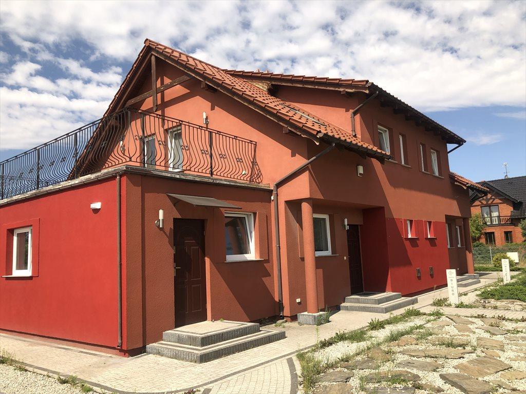 Dom na wynajem Dąbrowa  260m2 Foto 1