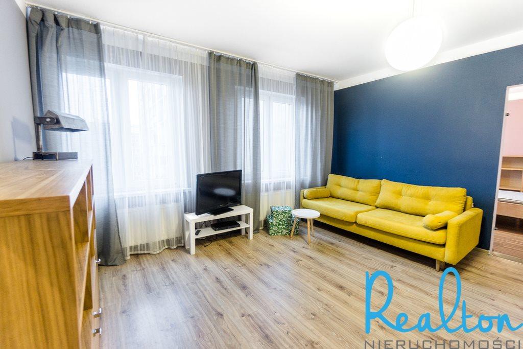 Mieszkanie trzypokojowe na sprzedaż Chorzów, Centrum, Kazimierza Wielkiego  65m2 Foto 1