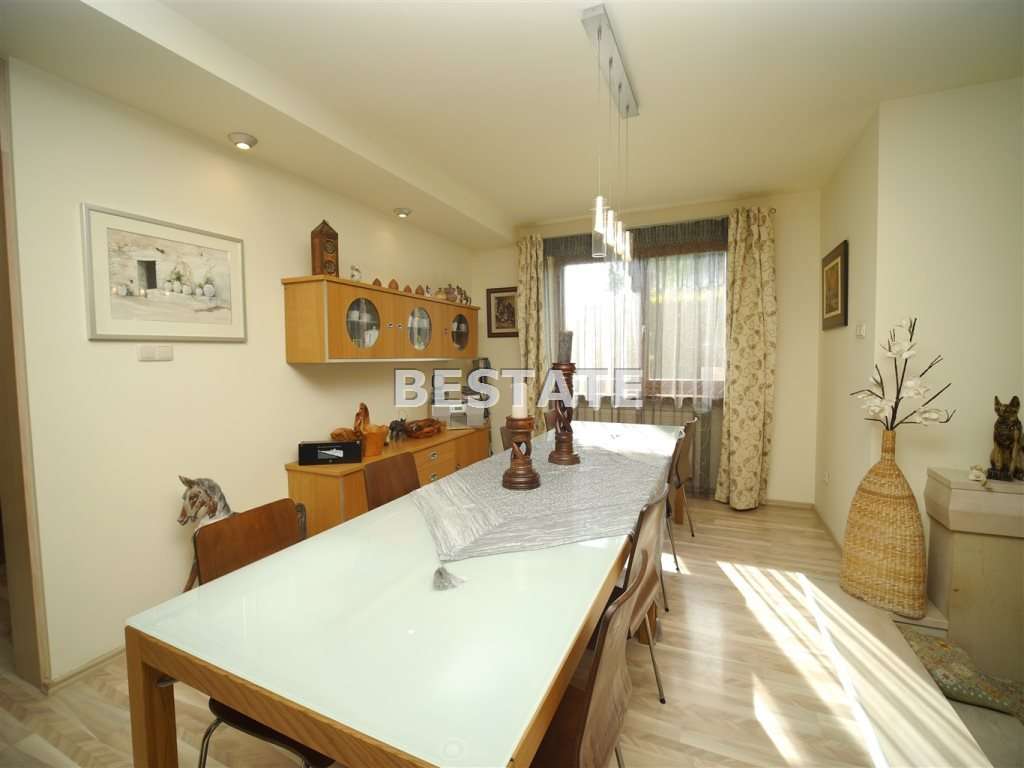 Dom na sprzedaż Tarnowiec  250m2 Foto 1
