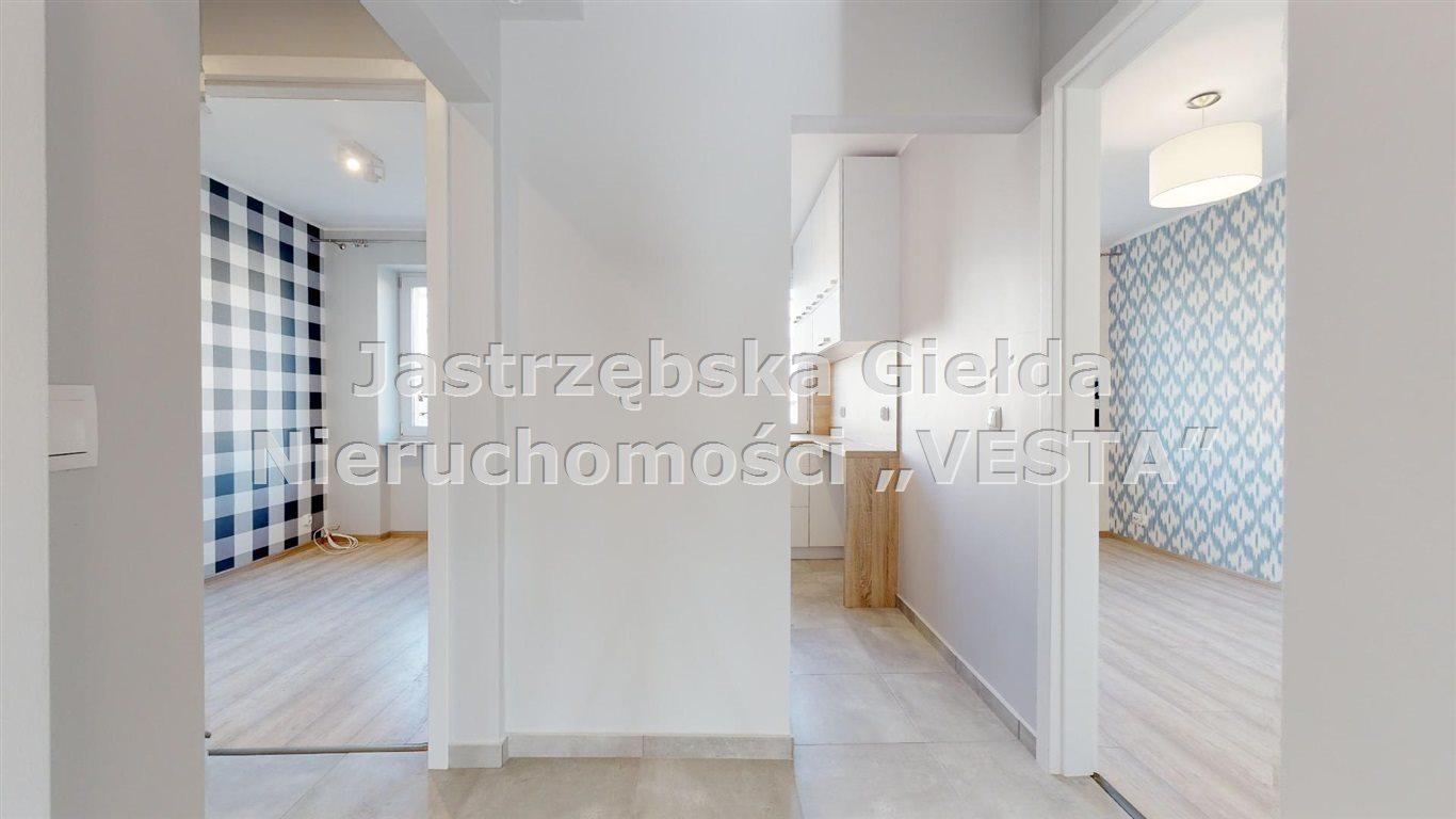 Mieszkanie trzypokojowe na sprzedaż Jastrzębie-Zdrój, Osiedle 1000-lecia  56m2 Foto 1