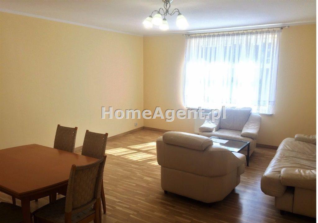 Mieszkanie trzypokojowe na wynajem Gliwcie, Centrum  100m2 Foto 1