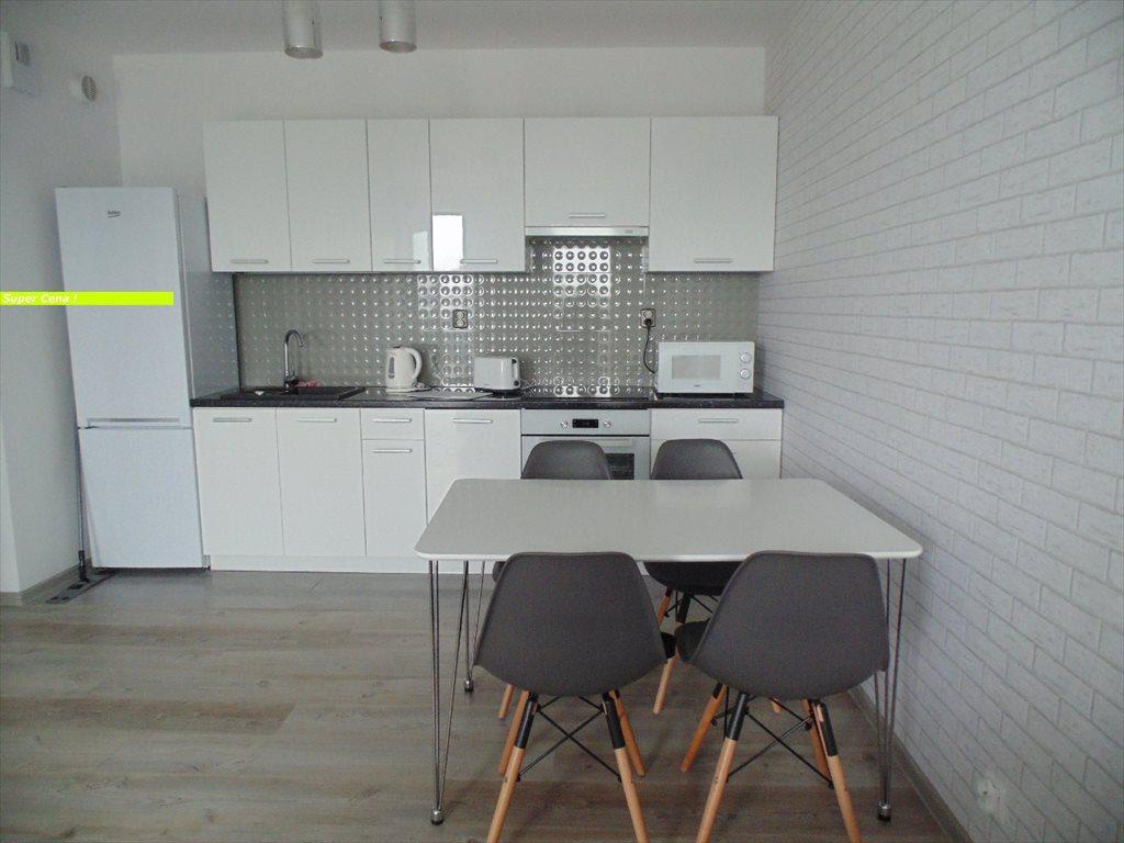 Mieszkanie trzypokojowe na wynajem Toruń, Mokre  52m2 Foto 2