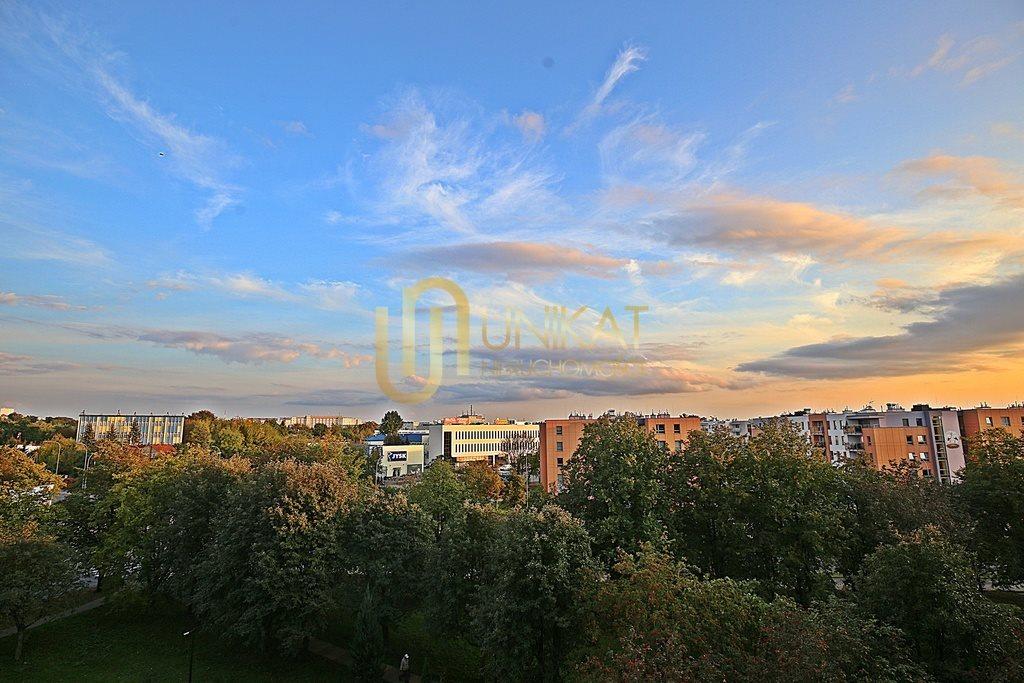 Mieszkanie czteropokojowe  na sprzedaż Białystok, Antoniuk, Władysława Broniewskiego  63m2 Foto 3