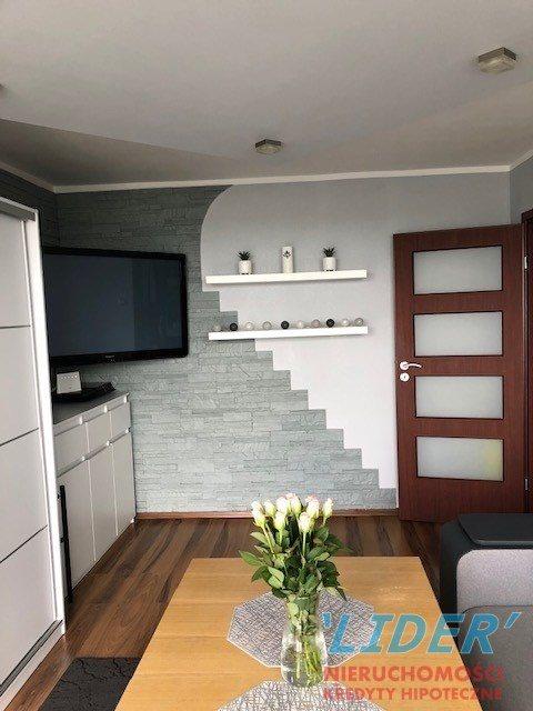 Mieszkanie trzypokojowe na sprzedaż Tychy, H  53m2 Foto 1