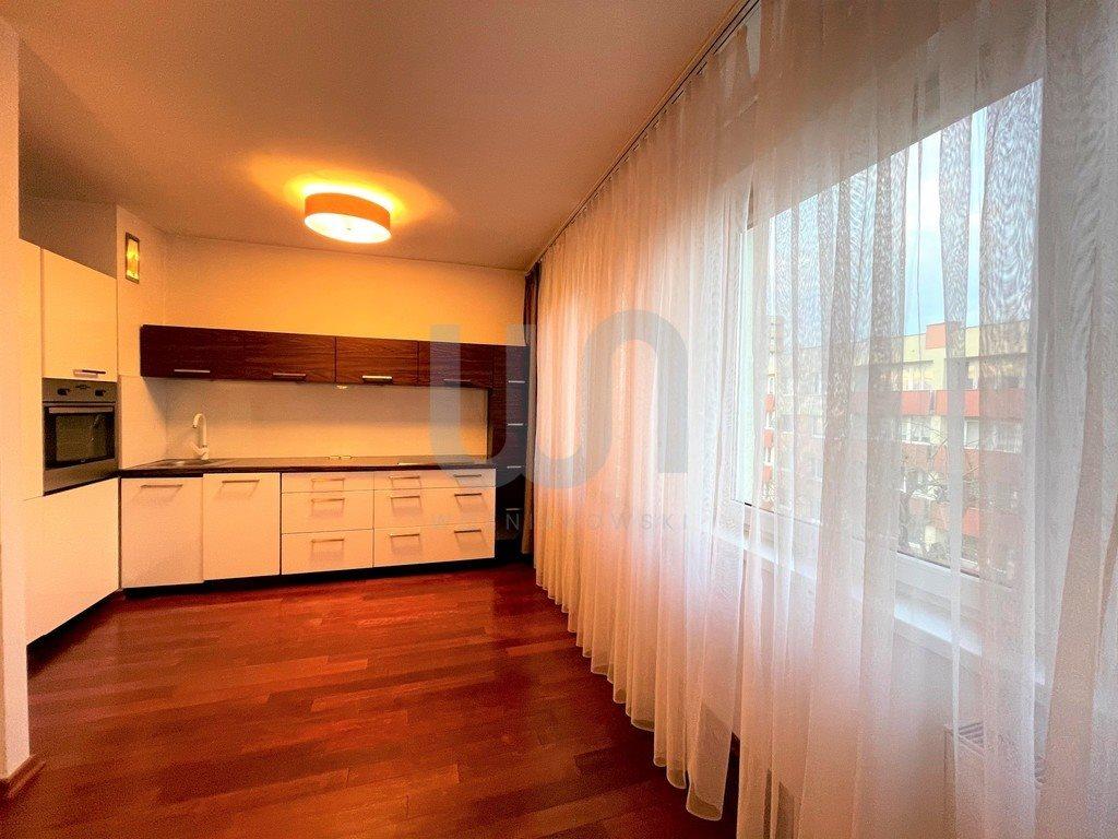 Mieszkanie czteropokojowe  na sprzedaż Częstochowa, Tysiąclecie  83m2 Foto 1