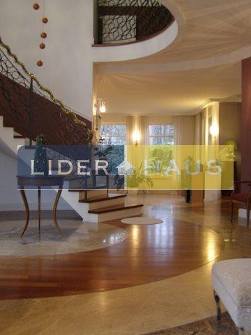 Dom na sprzedaż Latchorzew  380m2 Foto 1