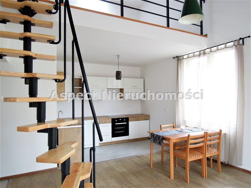 Mieszkanie dwupokojowe na wynajem Łódź, Górna, -  70m2 Foto 1
