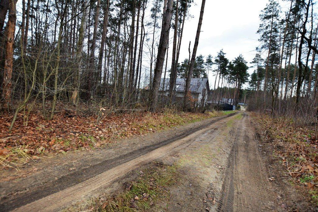 Działka leśna z prawem budowy na sprzedaż Zofiówka  1400m2 Foto 4