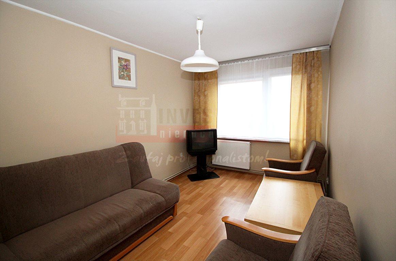 Mieszkanie czteropokojowe  na sprzedaż Kluczbork  74m2 Foto 2