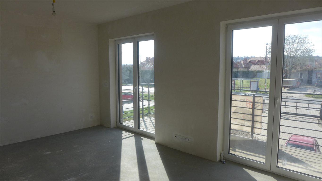 Mieszkanie czteropokojowe  na sprzedaż Kraków, Opatkowice, Petrażyckiego  85m2 Foto 1