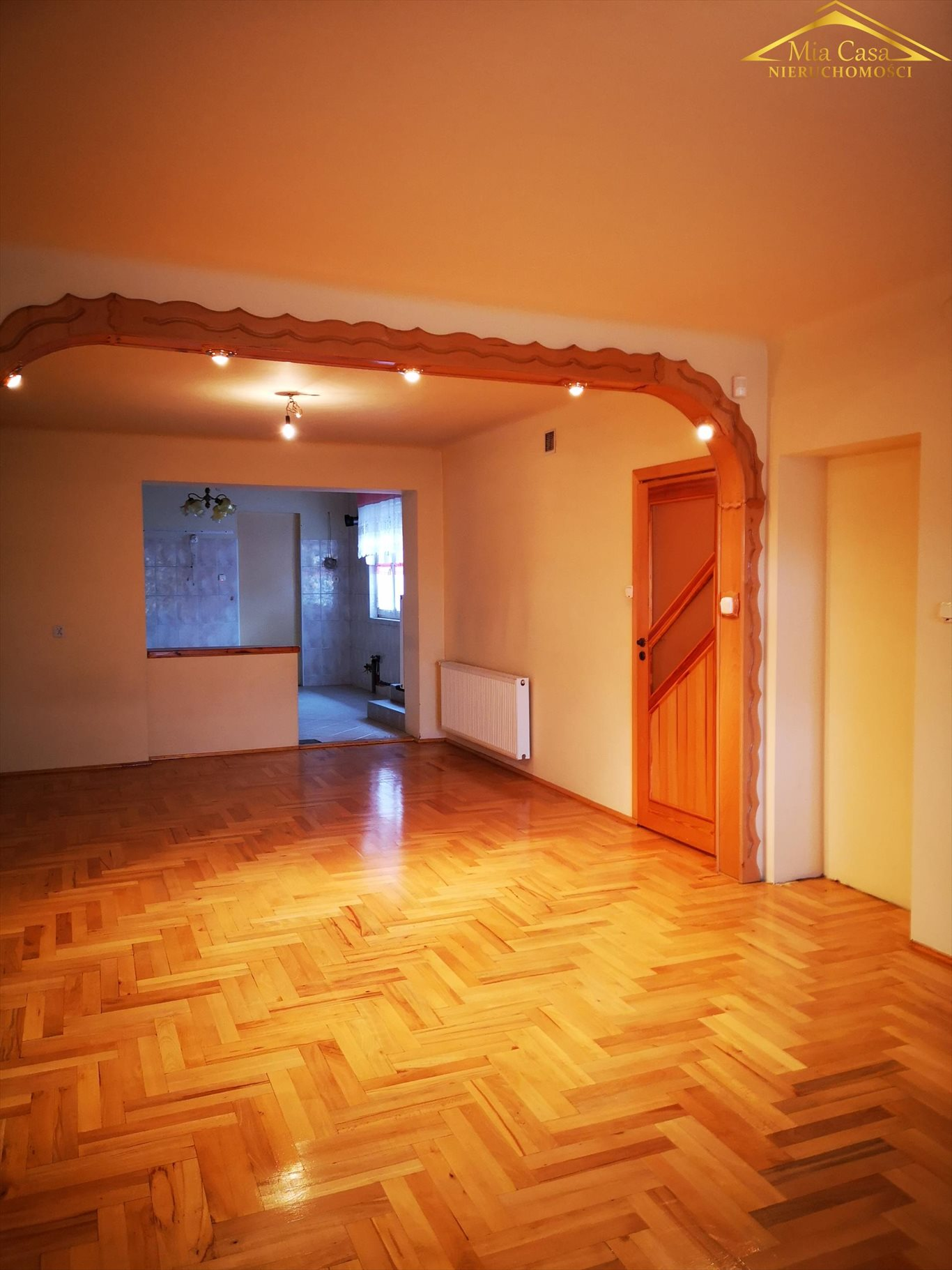 Dom na sprzedaż Błonie  520m2 Foto 1