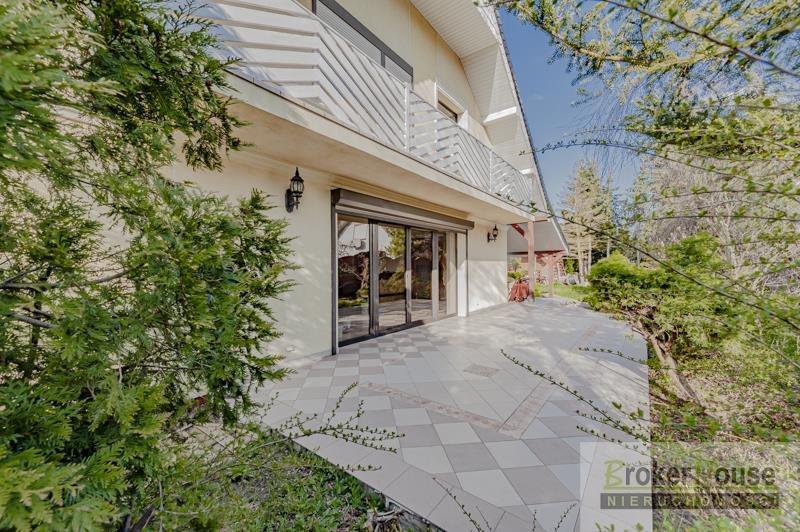 Dom na sprzedaż Kup  200m2 Foto 1